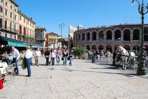 Verona_-_Piazza_Bra_-_Arena