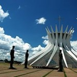 cathedrale_brasilia_Niemeyer