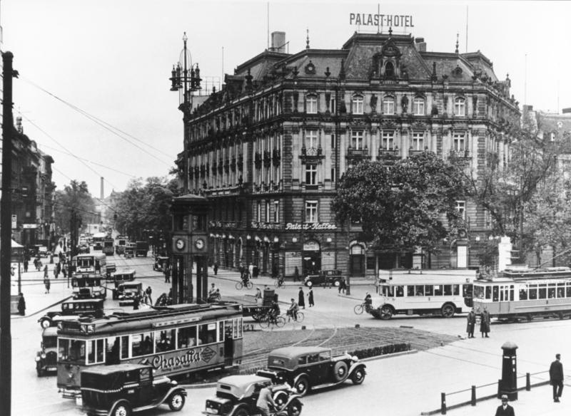 La m tamorphose de la potsdamer platz berlin for Hotel pas cher berlin