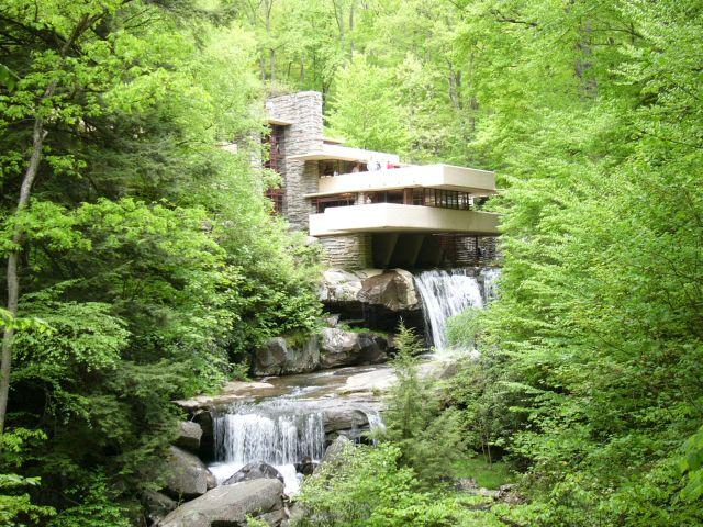 O voir la maison sur la cascade chef d 39 oeuvre de frank - La maison sur la cascade de frank lloyd wright ...