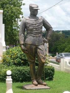 Gustave_Borgnis Desbordes_Statue_place_des_explorateurs_Koulouba_Bamako_mali_soudan