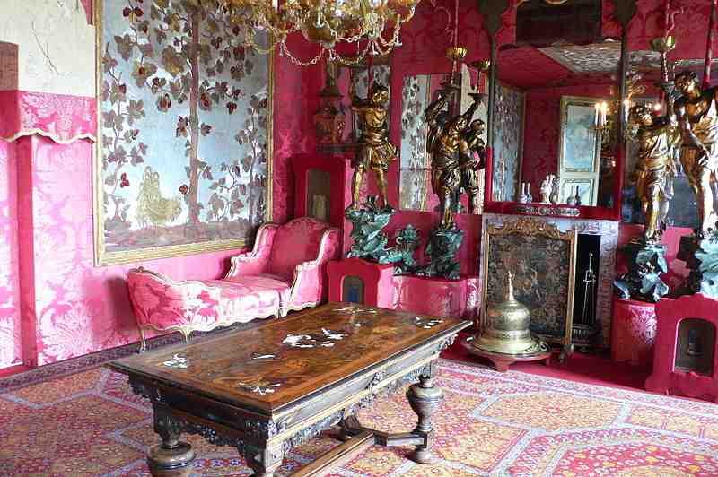 Visiter la maison de victor hugo guernesey abcvoyage - Maison de l islande paris ...
