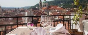 Terasa u Zlate Studne_prague_restauran_terrasse